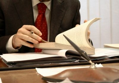 Как выбрать хорошего адвоката?