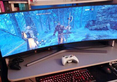 samyj-bolshoj-monitor-igrovoj